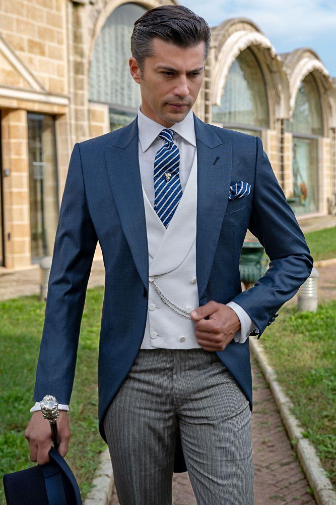 33fe526a303c7 Chaqué azul de novio corte italiano moderno entallado Ottavio Nuccio Gala